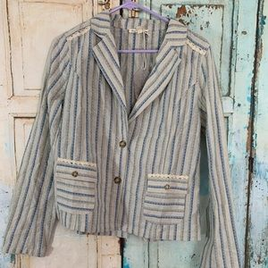 Hem and Thread blazer blouse